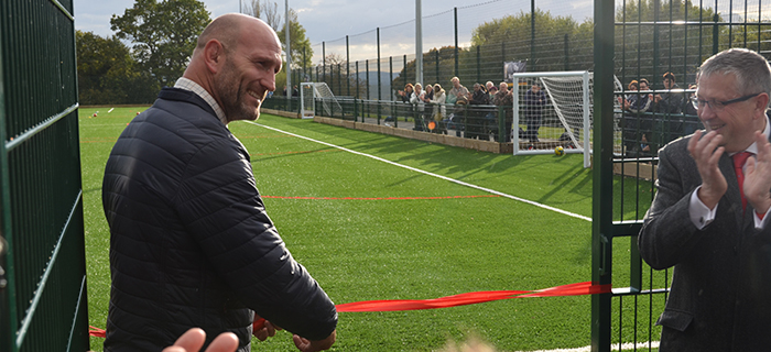 Design and build sports pitch construction specialist, O'Brien Sports, delivers a 3g synthetic turf sports pitch for Warden Park Academy's rugby and football teams.